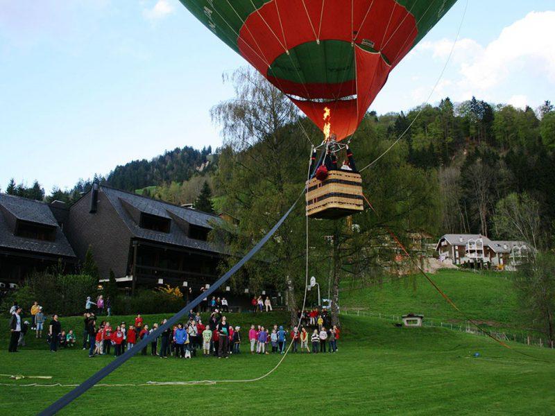 Vol captif en montgolfière, activité aériennes